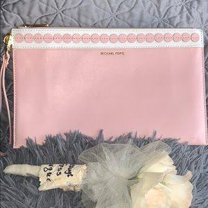 Michael Kors Analise XL Zip Clutch in Blossom